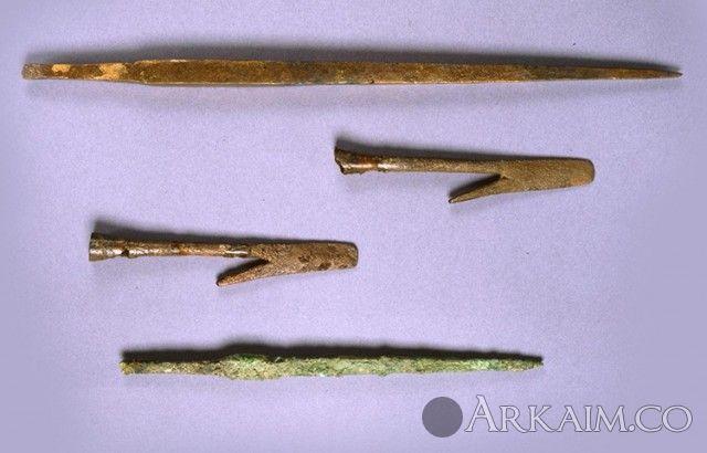 10123294 Наконечники дротиков и крюки неизвестного назначения из города Ур. Британский музей, Лондон