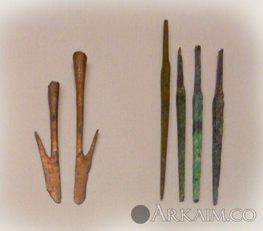 10123292 Наконечники дротиков и крюки неизвестного назначения из города Ур. Британский музей, Лондон
