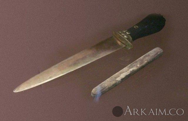 10123407 Кинжал из «Царских гробниц» из города Ур. Коллекция Национального музея Ирака, Багдад