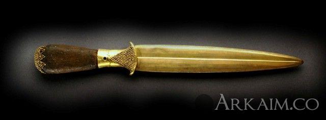 10123412 Кинжал из «Царских гробниц» из города Ур. Коллекция Национального музея Ирака, Багдад